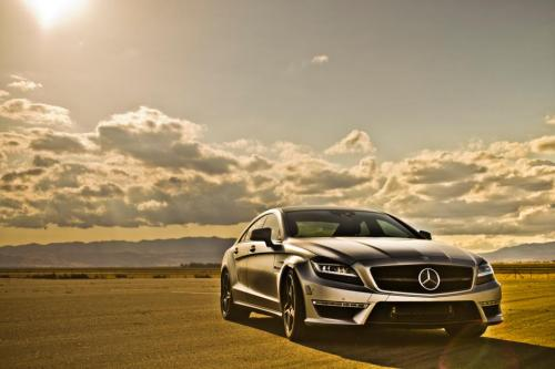 Latest Picture I took of buddies Tuned cls 6.3 amg.  643 wheel 700 plus torque.