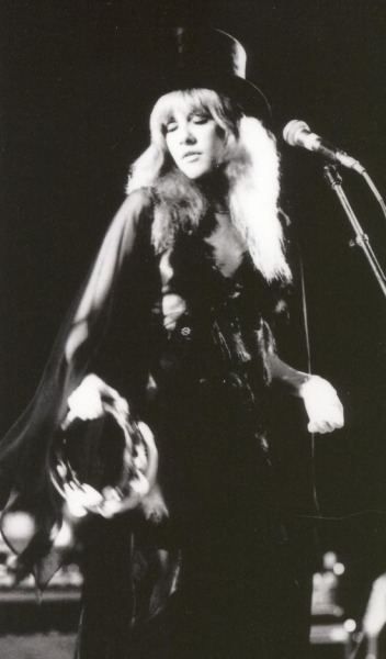 Stevie Nicks, 1975