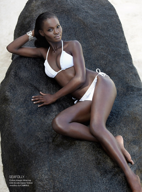 West African Curves-4870