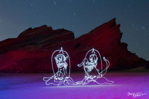 the-simpsons-blog:  Kang and Kodos (light-painting) absolute best simpsons posts  This is amazeballs!