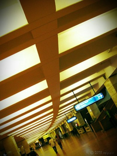 Gate 2F Soetta#airport #canon #CapturedMoment #photography #traveling #indonesia #night #lights #building #architecture(from @opipipio on Streamzoo)