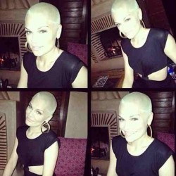 #fashion #gossip #jessiej dies her #comicrelief #hair #blonde #amberrose #style WHAT DO YOU THINK? I love it! #hairstyles #celebrityhair #celebrity #celebritygossip #celebrityfashion #streetwear #highstreetfashion #designer #singer #musicartist #music #stylist #art #vote