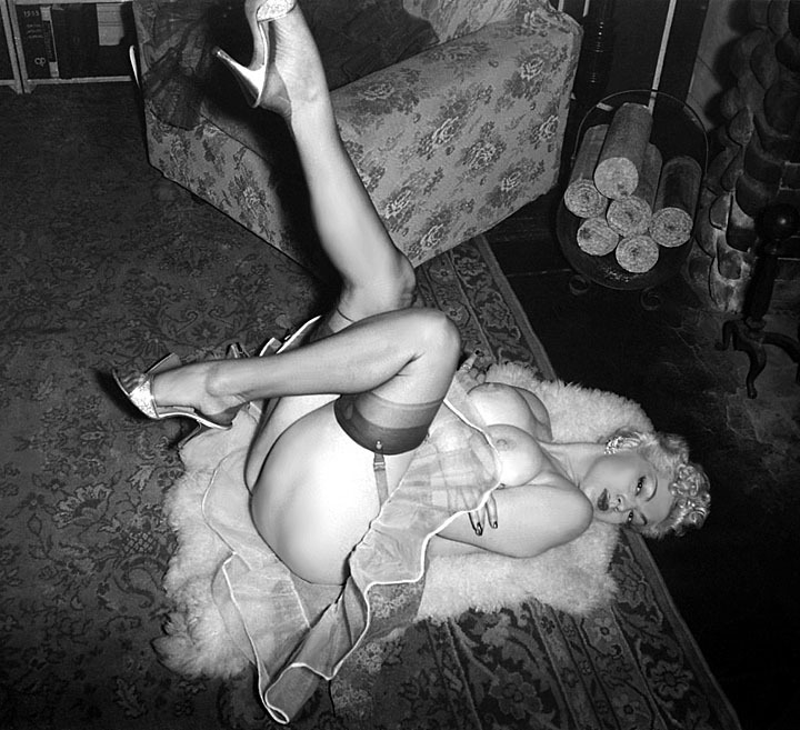"burleskateer:  Zorita Fromthe photoshoot used in her Burmel Publishing ""PERSONALITY"" Digest.."