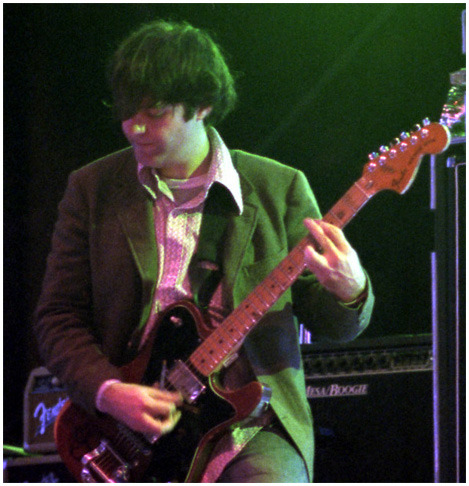 Jim O'Rourke (Sonic Youth etc) is 5'3""