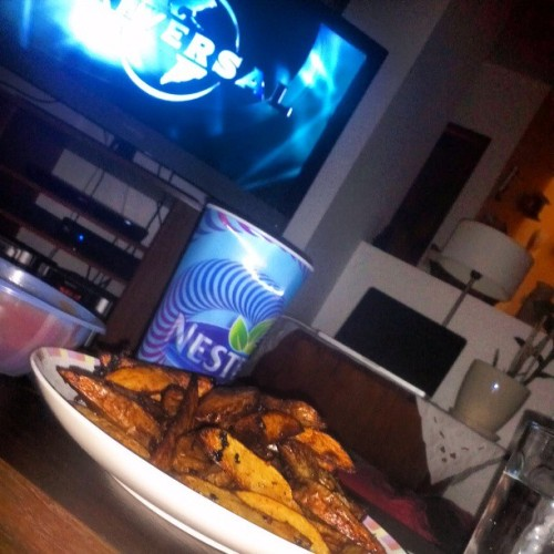tarde de peliculas @maricm2 #movie #fries #foodporn #forEverGordita