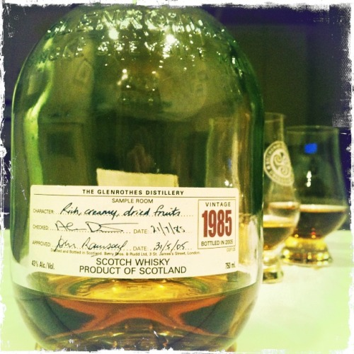 My first love—Glenrothes 1985. Perfect with a loved one :)