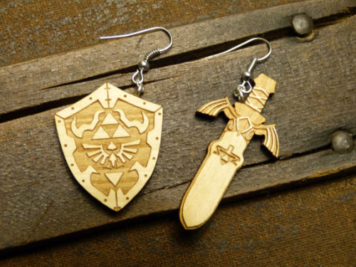 insanelygaming:  Legend of Zelda Inspired Earrings Created by Havenaims (via doctormoo)