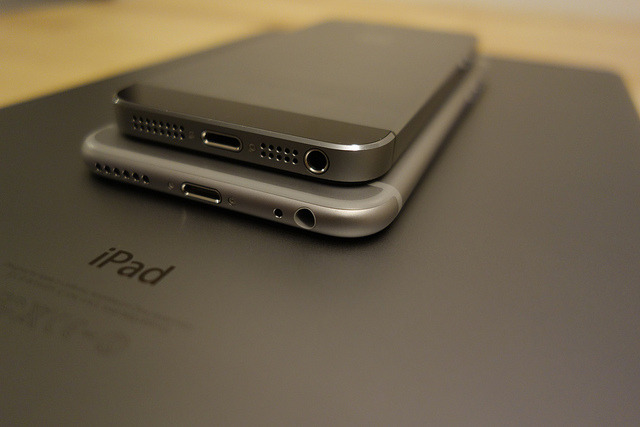 iPhone 5s, iPhone 6, and iPad Air Comparison on Flickr.