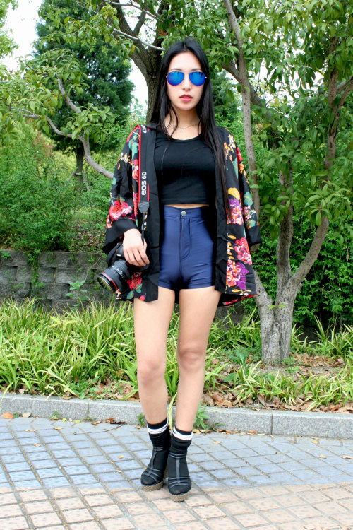 Kimono disco styling at Midi Music Festival Shanghai 2013, WGSN street shot