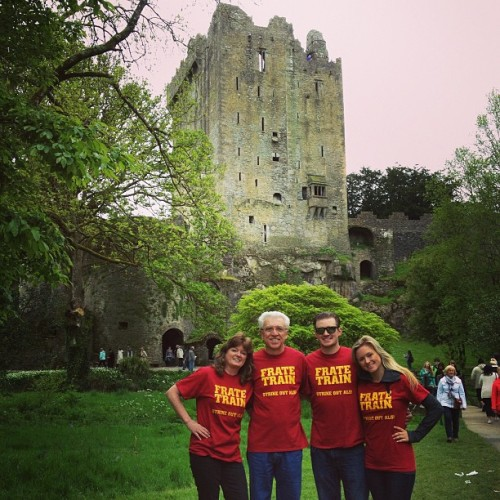 The Sullivan's reppin' Team Frate Train in #Ireland -#StrikeOutALS #TeamFrateTrain  @pete1633 @afrates322  (at Blarney Castle)