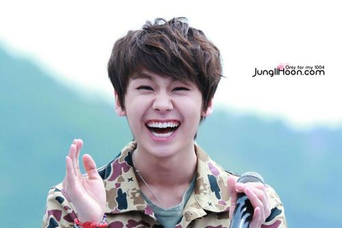 dearilhoon:   ©jungilhoon do not edit, crop or remove watermark.