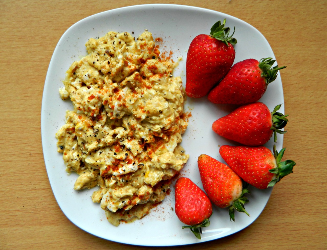 Breakfast - scrambled eggs with paprika and some strawberries. I'm so glad strawberries are back in season! Gone are the days it's £4 a punnet, hurrah!