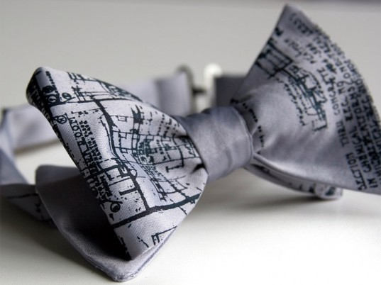 be-klassique:  blue print bow tie to bring in the new year!