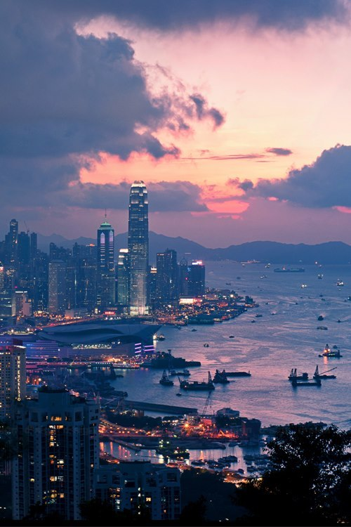 lifebusy:  city on We Heart It - http://weheartit.com/entry/52798879/via/Nacho_Dura