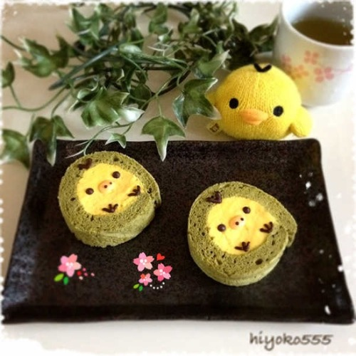 Lovely Kiiroitori matcha roll cake (^。^) source: hiyoko555.