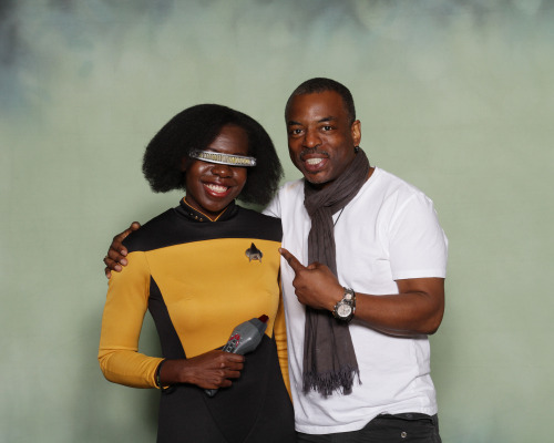 youngbadmanbrown:  msjayjustice:  I got to meet LeVar Burton at Megacon! I was the last person he saw at the con just before the end on Sunday and he said, 'They saved the best for last! Look at you!' and came over for the photo. I did not squee or make any weird happy noises until he was gone. Yay me! ^__^  *crying*
