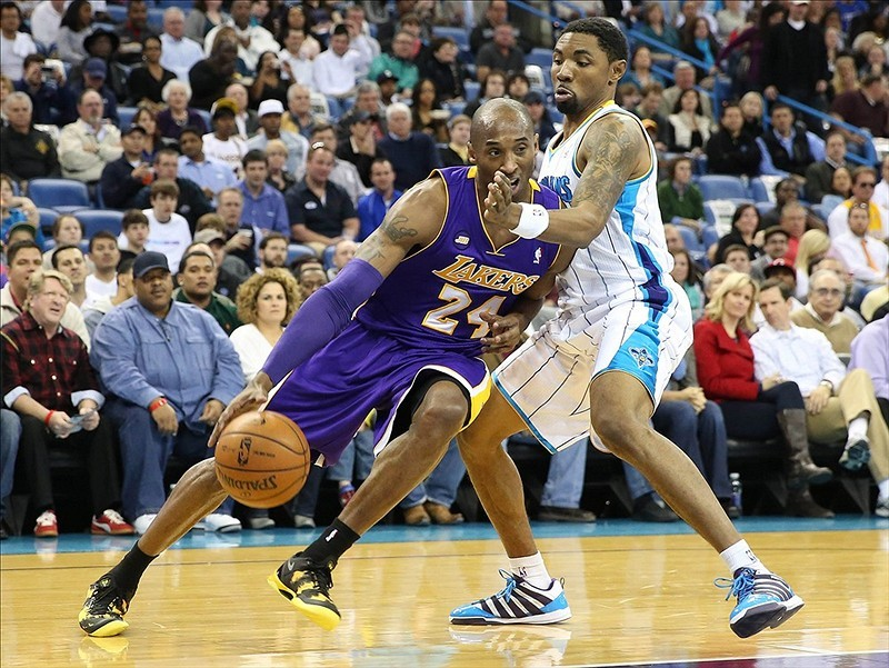 20-0 run to end the game? Why not? Lakers rally past Hornets 108-102 behind 42 points and 12 assists from Kobe