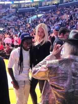 Lil Wayne at the Los Angeles Lakers vs. San Antonio Spurs NBA game last night - http://www.lilwaynehq.com