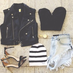 dirtylittlestylewhoree:  Black Friday #ootd Instagram username:thestyleplaylist