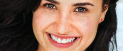 livelifeandlove-withoutregrets:  Natural Demi lovato everyone