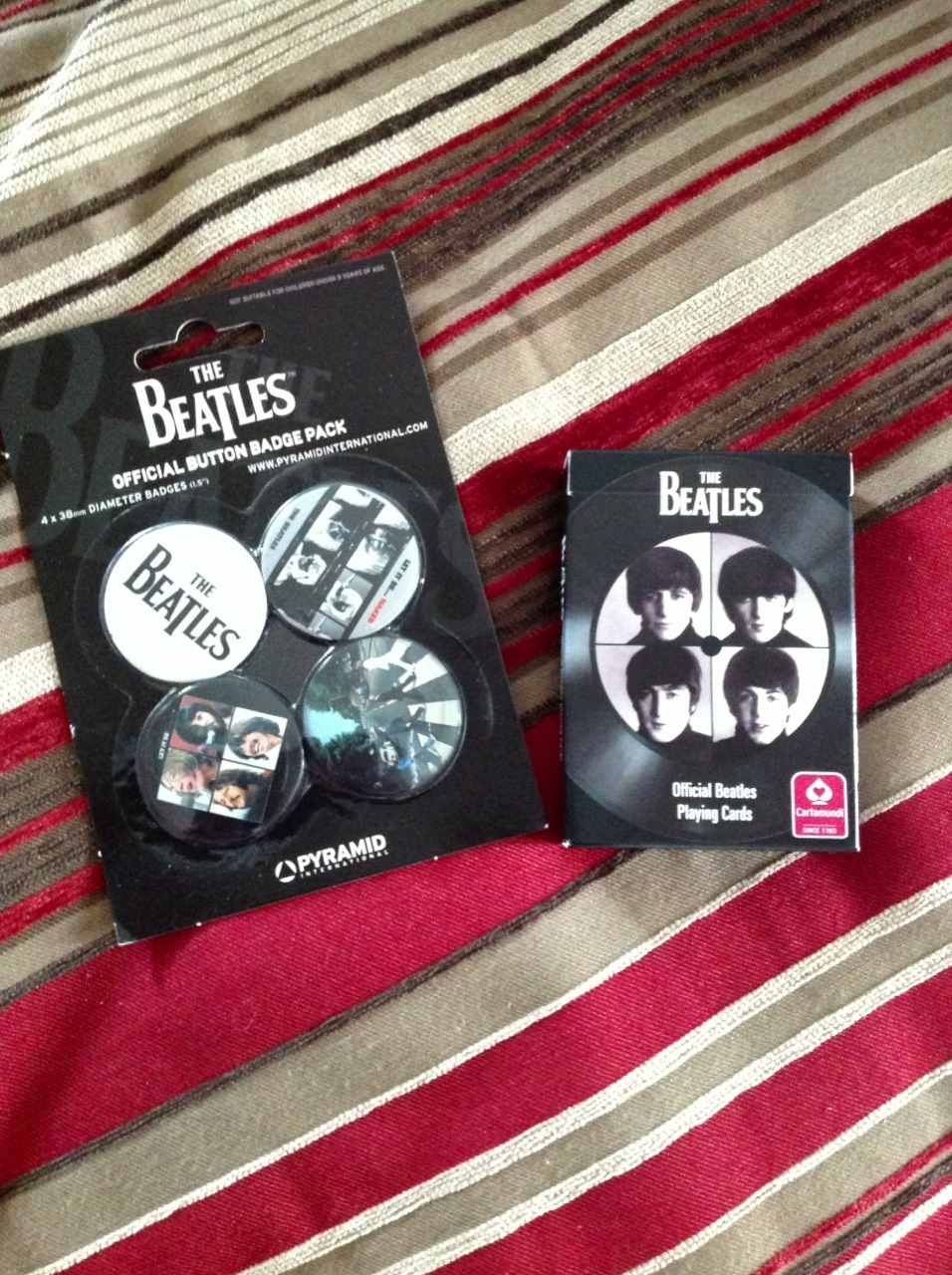 My little sister brought me souvenirs from her trip to London.  The Beatles merch!  …from Abbey Road.  (  ノ・◡・)ノ 彡 ┻┻