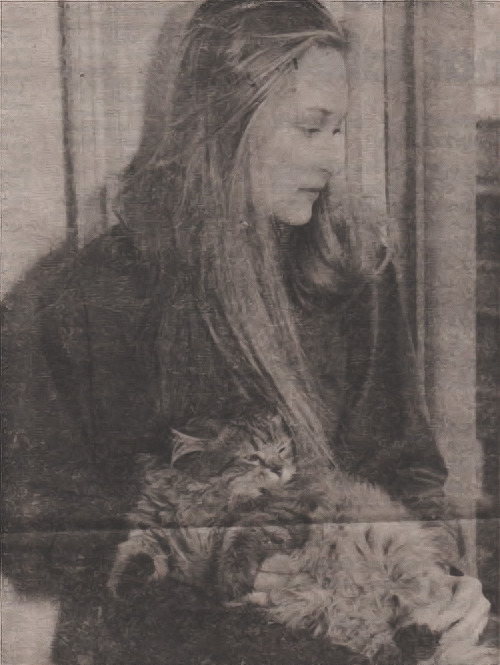 Meryl Streep with a cat , 1978