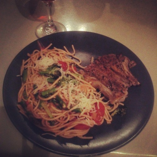 Rosemary White Merlot Lamb with Asparagus, Broccoli & Portabella Pasta. Word. #HomeCooking #ChezBoogie #BoogieLikeTai #DinnerForOne #Food #FoodPorn #FoodieInTraining #HomeMade