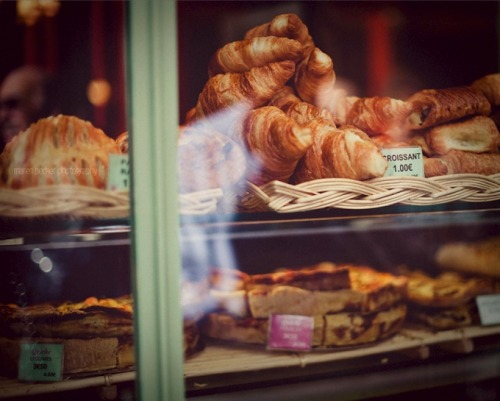 | ♕ |  Boulangerie à Paris  | by © Maren Becker | via ysvoice