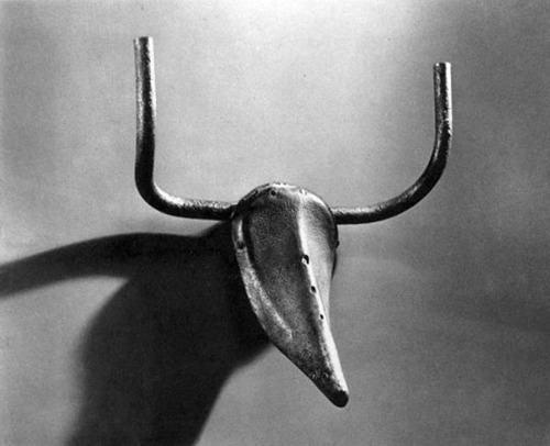 likeafieldmouse:  Pablo Picasso - Bull's Head (1942) - Bicycle seat and handlebars    That man and bulls!