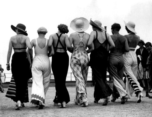 1930s beachwear - swoon!