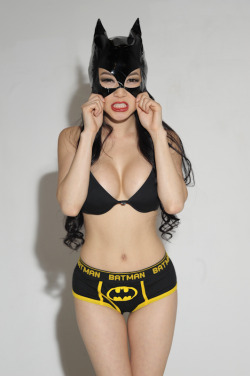 headphonedgafblaster:  hello bat girl 😋😜😝😛😃