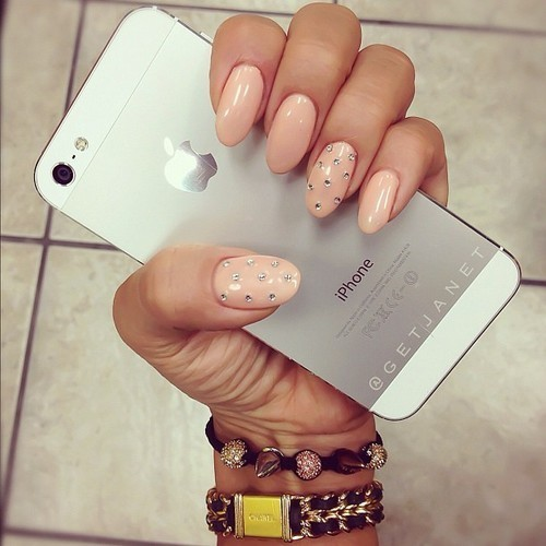 laapuf:  iphone on We Heart It. http://weheartit.com/entry/48920316