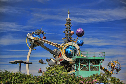 disneyendlessmagic:  Magic Kingdom - Topaz-tro Orbiter by Cory Disbrow on Flickr.  would much rather be working here today. especially if it started lightning and they had to close. XD