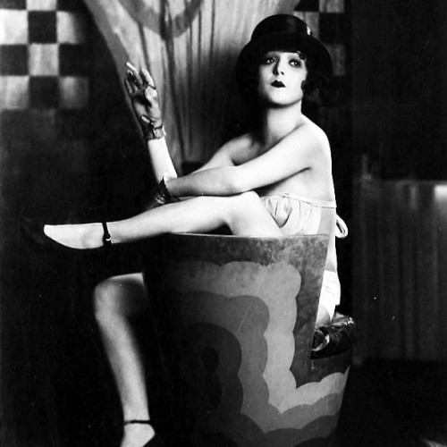 Madge Bellamy #1920 #flapper #flapperfriday #ginandjazz #roaringtwenties