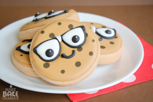 Smart Cookies + Printable! on We Heart It - http://weheartit.com/entry/60525038/via/geekylifestyle   Hearted from: http://makebakecelebrate.com/smart-cookies-printable/