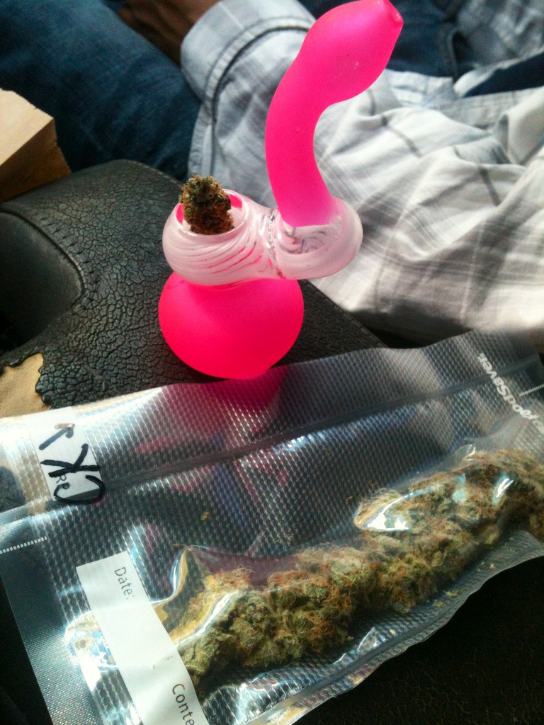 awkwardlystoned:  rubberducky726:  Pinky & colorado kush  that bubbler is rad!