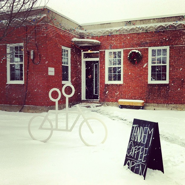 tandemcoffeeroasters:  Such a cozy day for coffee in this little building! (at Tandem Coffee Roasters)  This looks splendid.
