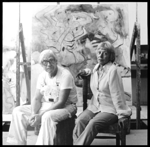 laflaneuse8:  Willem and Elaine de Kooning Photo by Hans Namuth   Dynamic duo.