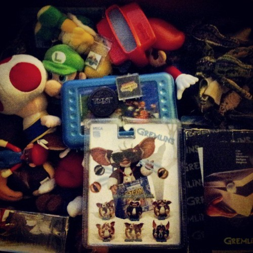 The inside of my brain. #Gremlins #Mario #Luigi #ViewMaster