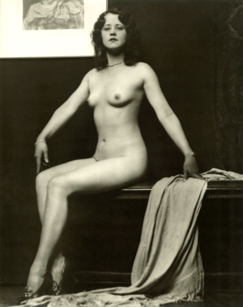 Ziegfeld star Kay White, photo by Alfred Cheney Johnston