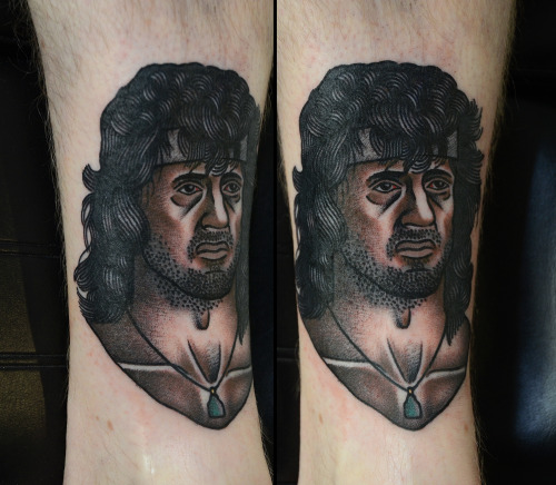 visualamor:  Dude… this is so good. Rambo!!!