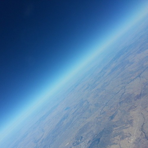 #مايو_١٣ #مايو_13 #بعيد #sky #horizon #earth #globe #flying #travel
