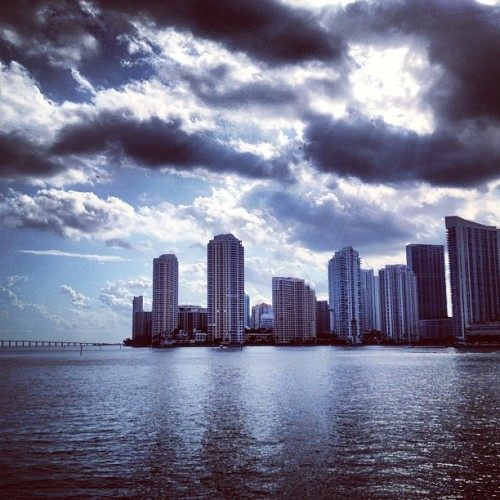 Hey #miami #city #florida #architecture #design #water #city #urban #cloudporn  (at Miami)
