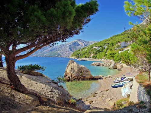 allthingscroatia:  Photo: Makarska Riviera Beaches