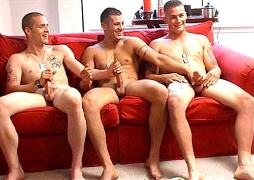 bestofbromance:  with military precision, these bros know just what to do when it comes to cumming…     'topher :)  BestOfBromance@gmail.com - Twitter @BestOfBromance - BestOfBromance@gmail.com