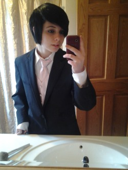socialmindfuck:  I took selfies before prom. >.>
