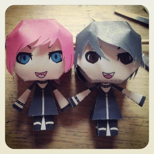 i made maya and aiji papercraft dolls! #lmc #papercraft