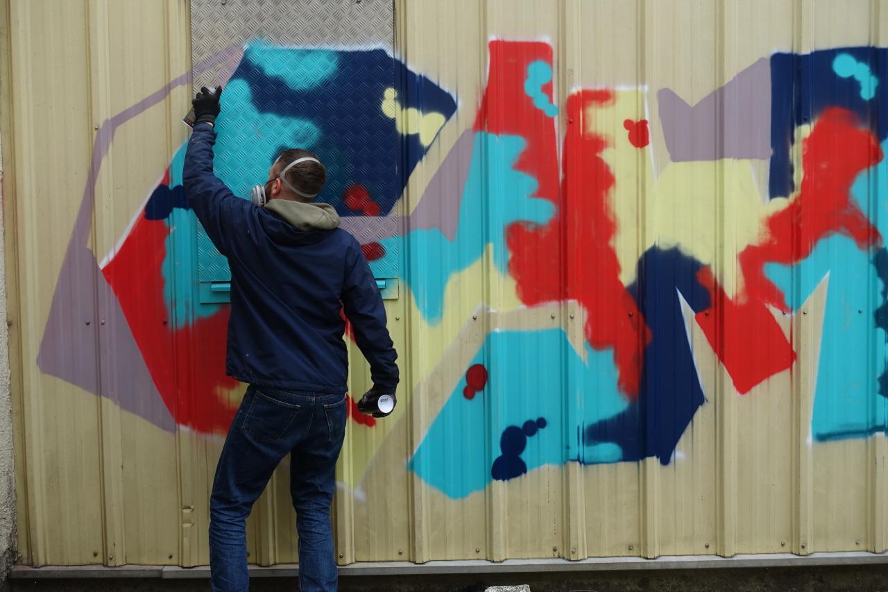 #sprayas#beim#sprehen#spray#hiphop#breakdance#windmill#headspin#graffiti#art#urbanart#graff#legal#style#writing#zwischenraum#zwischentraum#2021#banksy