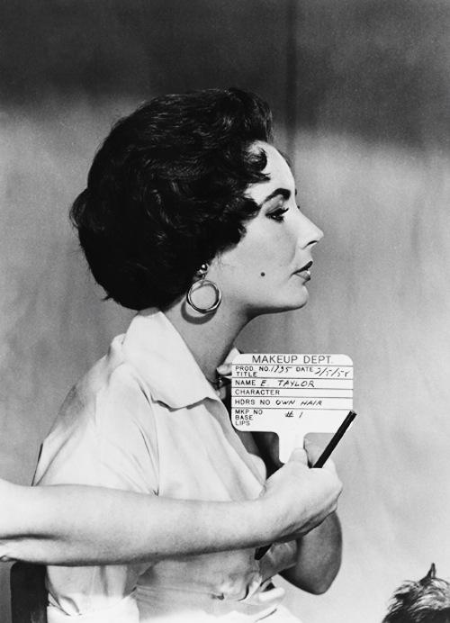 Elizabeth Taylor in a hair test shot for Cat on a Hot Tin Roof (1958)