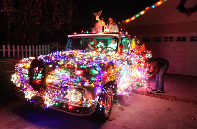 laughingsquid:  A Photo Essay on Christmas Time Around The World